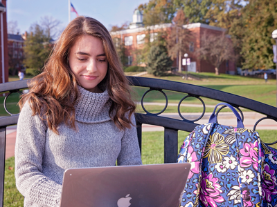 Photo of Lexi Nash '17 Studying on Campus