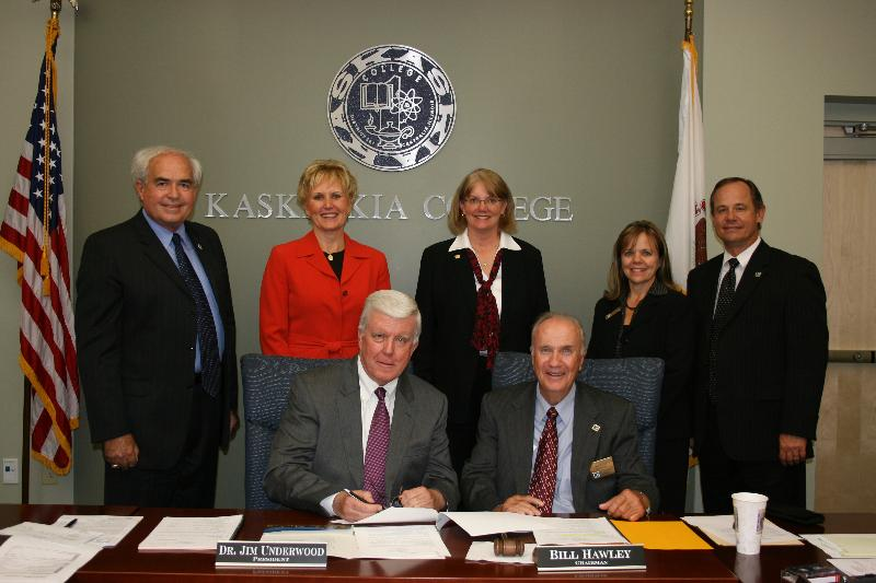 Photo of the Signing of the Nursing Articulation Agreement