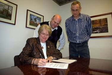 Dr. Christine Bahr Signing Engineering Degree Program