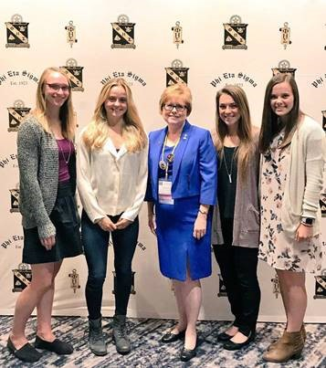 McKendree University students Meredith Geyer, Magdalena Knapp, Haegen Boyer and Shelby Summer met Elaine Powell, Phi Eta Sigma national director (center), at the convention.