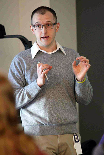 Tom Mahan '07 returned to McKendree on March 4 to discuss his research with students in the biopsychology capstone class.